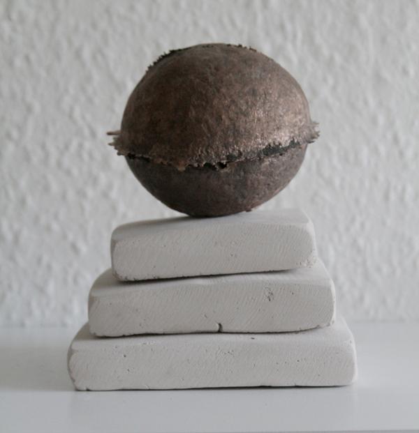 Corpora Caelestia, Detail, Bronze cast and chalk,Caroline Inckle, 2013